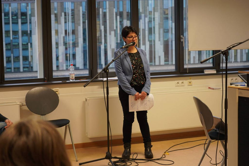 Konferenz 2018 Alexis Cabezas moderiert Panel 1