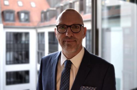 Portrait von Prof. Dr. Patrick Donges