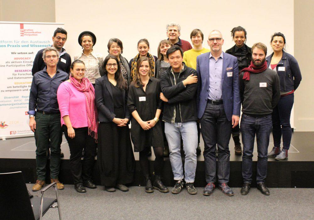 Gruppenbild mit den Referent*innen, Moderatorinnen und Organisatorinnen